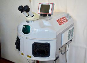 技工用レーザー溶接機 マスター100
